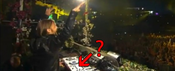 Was David Guetta faking his set at Tomorrowland 2012!?