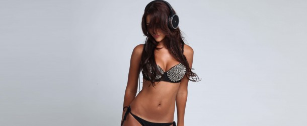 Tiësto x Melanie Iglesias – Sounds Of The Night